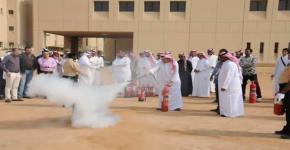 كلية الهندسة تنظم ورشة عمل عن كيفية التصرف  عند وقوع الخطر وطرق إطفاء الحريق