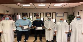 حصول طلاب قسم الهندسة الكهربائية على المركز الأول لجائزة أفضل مشروع تخرج المقدمة من شركة الإلكترونيات المتقدمة