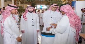 عميد السنة الأولى المشتركة الإنتظام في مقاعد الدراسة بعد غد الاحد، وكيل جامعة الملك سعود يزور البرنامج التعريفي للطلاب الجدد