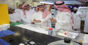 صاحب السمو الأمير الدكتور تركي بن سعود بن محمد آل سعود رئيس مدينة الملك عبدالعزيز للعلوم والتقنية يزور معهد الملك عبدالله لتقنية النانو ومعمل الأتوثانية