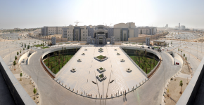الزيارات التخصصية تصل كلية الدراسات التطبيقية وخدمة المجتمع