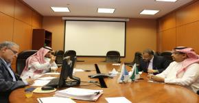 مناقشة إنجازات اعتماد البرامج الأكاديمية بالجامعة