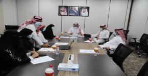 عميد شؤون الطلاب يبحث أوجه التعاون المشترك لتنفيذ مبادرة مع سواحل الجزيرة الإعلامية