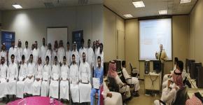 101 دورة استفاد منها 2320 طالب . ودورات تدريبية تنتظر الطلاب في الصيف بمركز الحاسب
