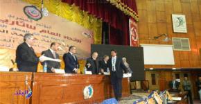 الدكتور الذيبي يحصل على جائزة الدكتور الأنصاري في مصر
