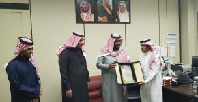 تكريم القسم لطالب الدكتوراه الأستاذ عبدالرحمن الطليحي