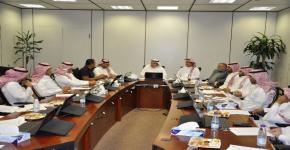 اجتماع مشترك للجنة السلامة المهنية بكلية الهندسة مع مسئولي السلامة والامن والصيانة بالجامعة