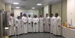 طلاب الهندسة الكهربائية في زيارة لهيئة المواصفات والمقاييس