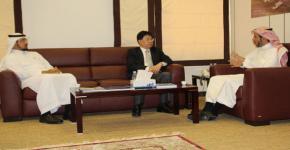 نائب رئيس جامعة تشايو تنق الوطنية بتايوان يشيد بتحول اقتصاد المعرفة لأوقاف الجامعة
