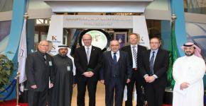 عمدة بلدة كولينج الدنماركية يبدي إعجابه بالحراك التطويري لجامعة الملك سعود