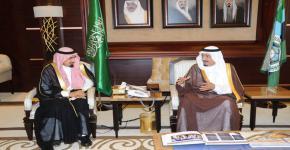الأمير سلمان بن عبد العزيز يستقبل مدير جامعة الملك سعود والمتبرعين لأوقاف الجامعة