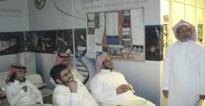 طلاب العلوم الانسانية بالتحضيرية يزورون برنامج ابحاث المؤشرات الحيوية وكرسي الامير متعب لهشاشة العظام
