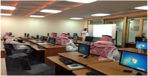 ورشة عمل في كلية المجتمع لتطوير أداء شؤون الطلاب